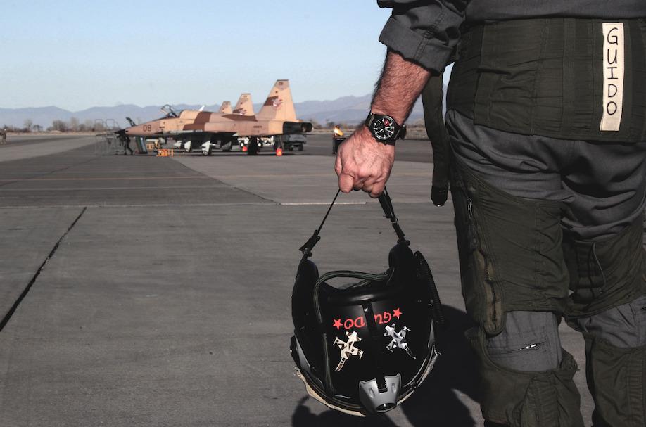 Un piloto de la Armada nos cuenta todo sobre el programa Top Gun y el nuevo reloj de IWC