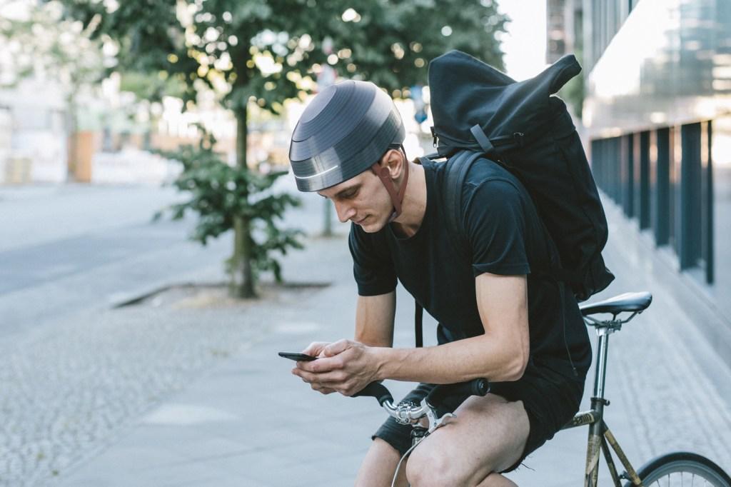 ESUB Tracks Helmet