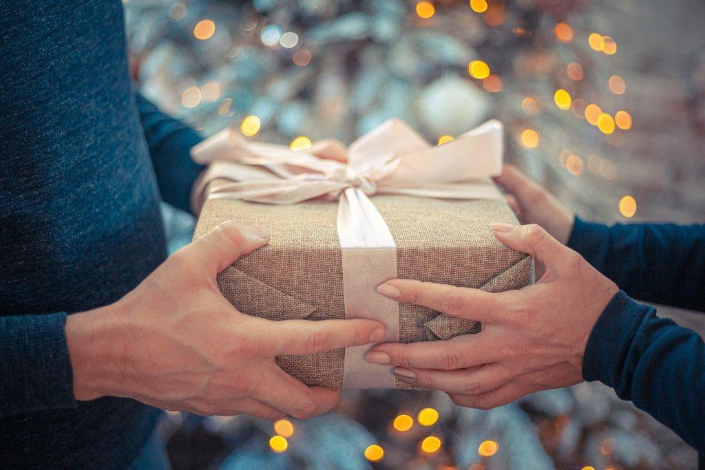 5 regalos de lujo para ella que gritan ¡Feliz Navidad!