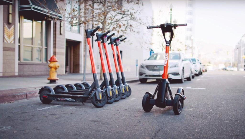 Spin de Ford lleva al siguiente nivel el traslado urbano con scooters