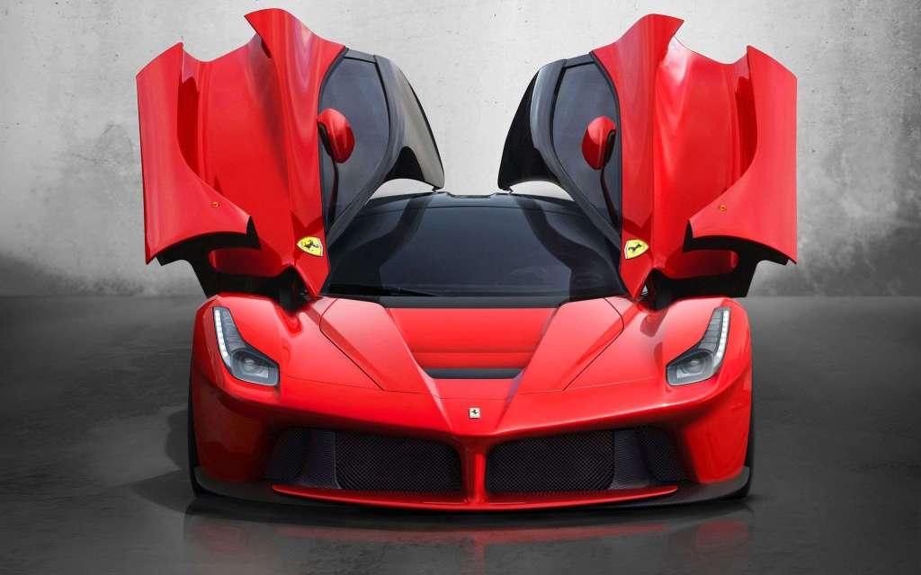 Saúl el 'Canelo' Álvarez está estrenando un Ferrari, muy exclusivo, valuado en 2.8 mdd