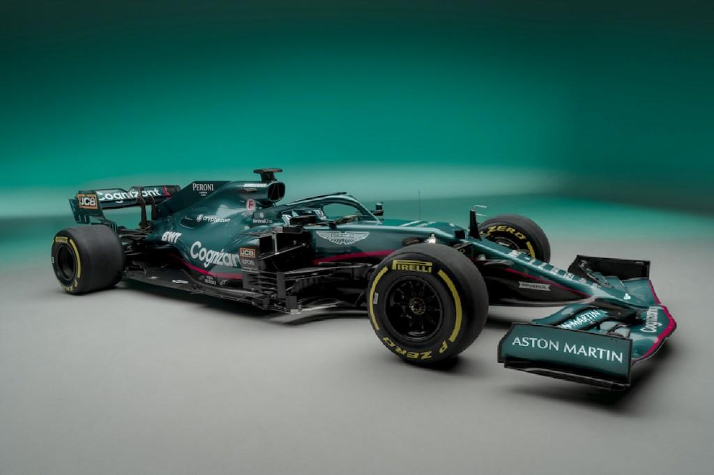 Aston Martin presume el vehículo que marcará su regreso a la F1, después de 60 años