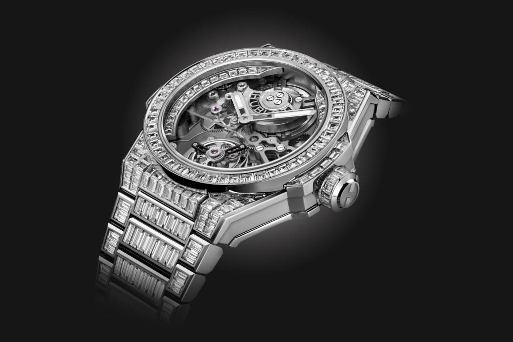 Hublot brilla con un reloj engastado con 484 diamantes: el Big Bang Integral Tourbillon High Jewelry