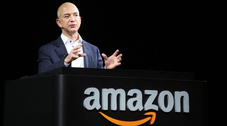 Alguien está estrenando un nuevo yate de lujo con 417 pies… y es Jeff Bezos