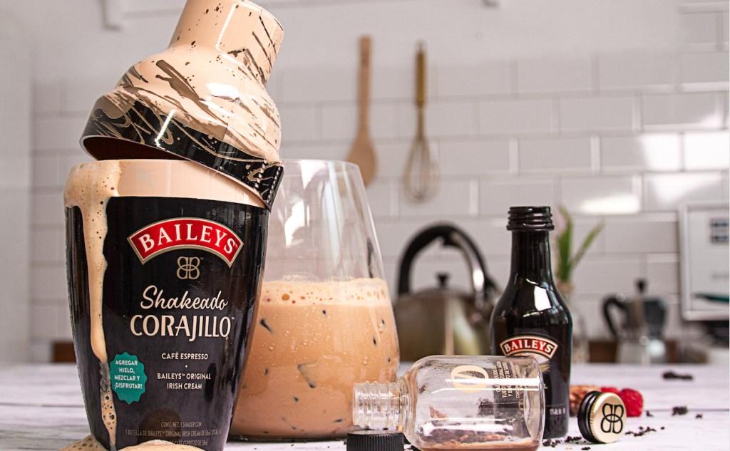 Baileys lanza una nueva versión de carajillo listo para agitar y beber