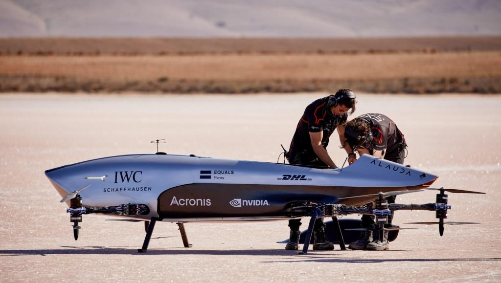 Presentes en la F1, ahora IWC se une a Airspeeder, primera carrera de autos voladores eléctricos