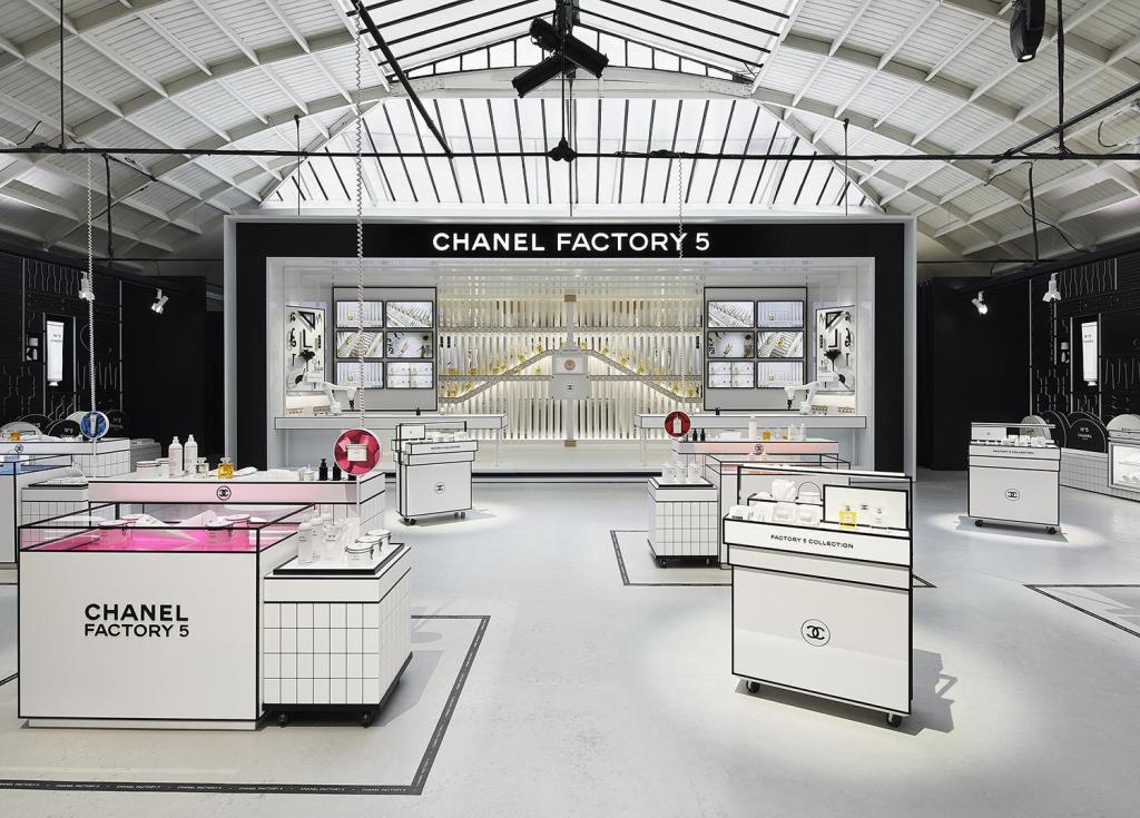 Chanel N°5 celebra 100 años con la colección Factory 5 que vuelve extraordinario lo ordinario
