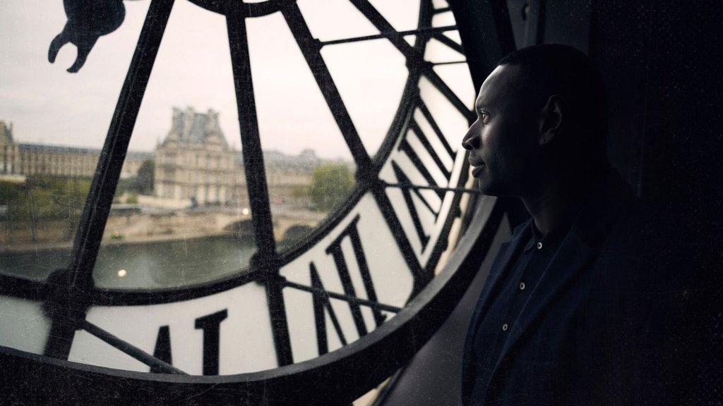 Netflix y el Louvre lanzan una colección inspirada en Lupin, que se robará las miradas