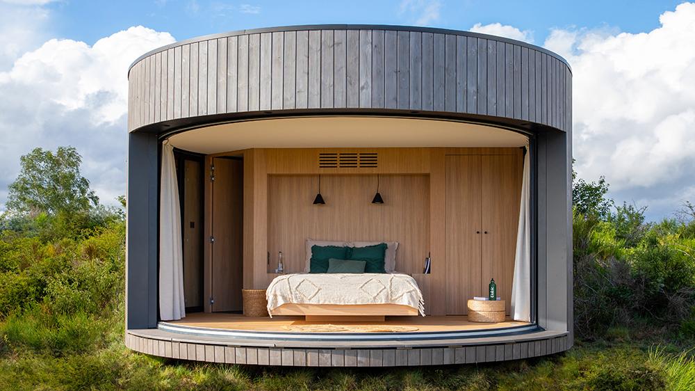 ¿Qué harías con 1 euro? Nosotros comprar una estadía de una noche en este Airbnb en un volcán francés
