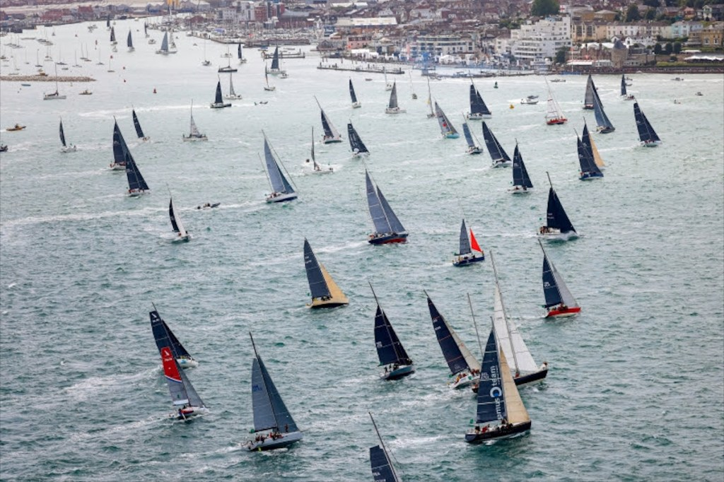 Mantén el espíritu deportivo a tope con la Rolex Fastnet Race 2021