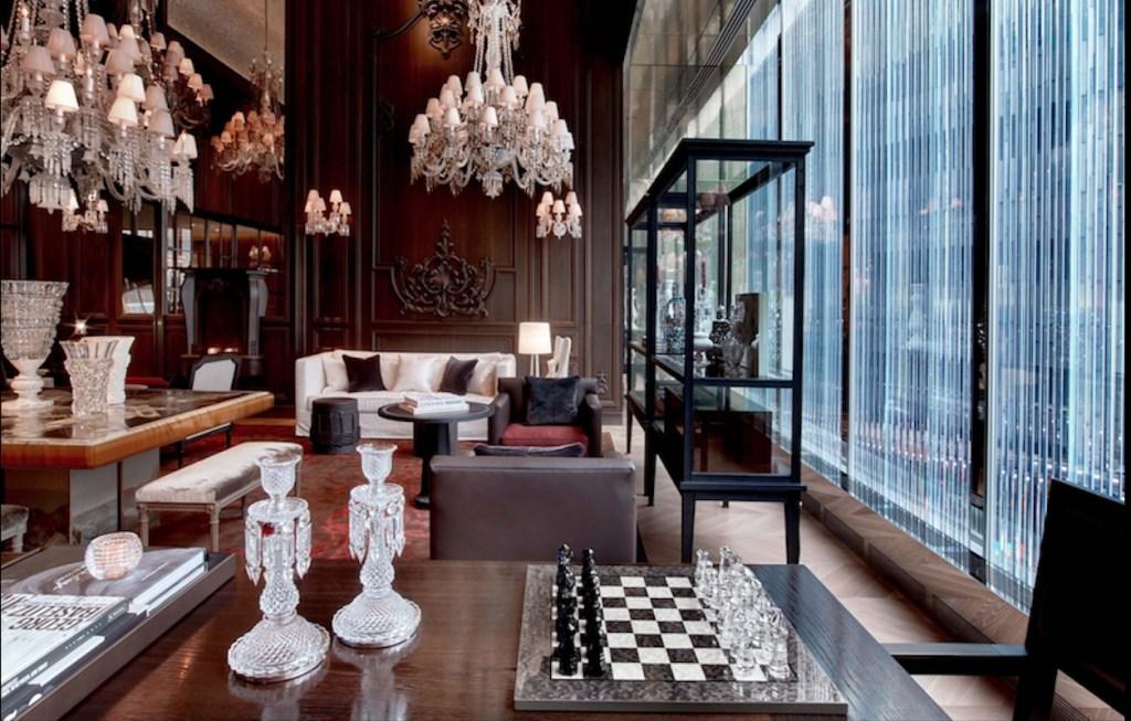El Hotel Baccarat de Nueva York es un palacio de cristal