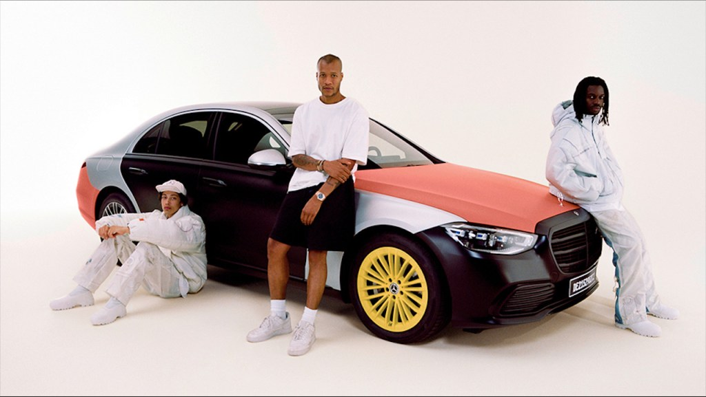 Mercedez-Benz se asoció con el diseñador Heron Preston para hacer ropa con airbags recicladas