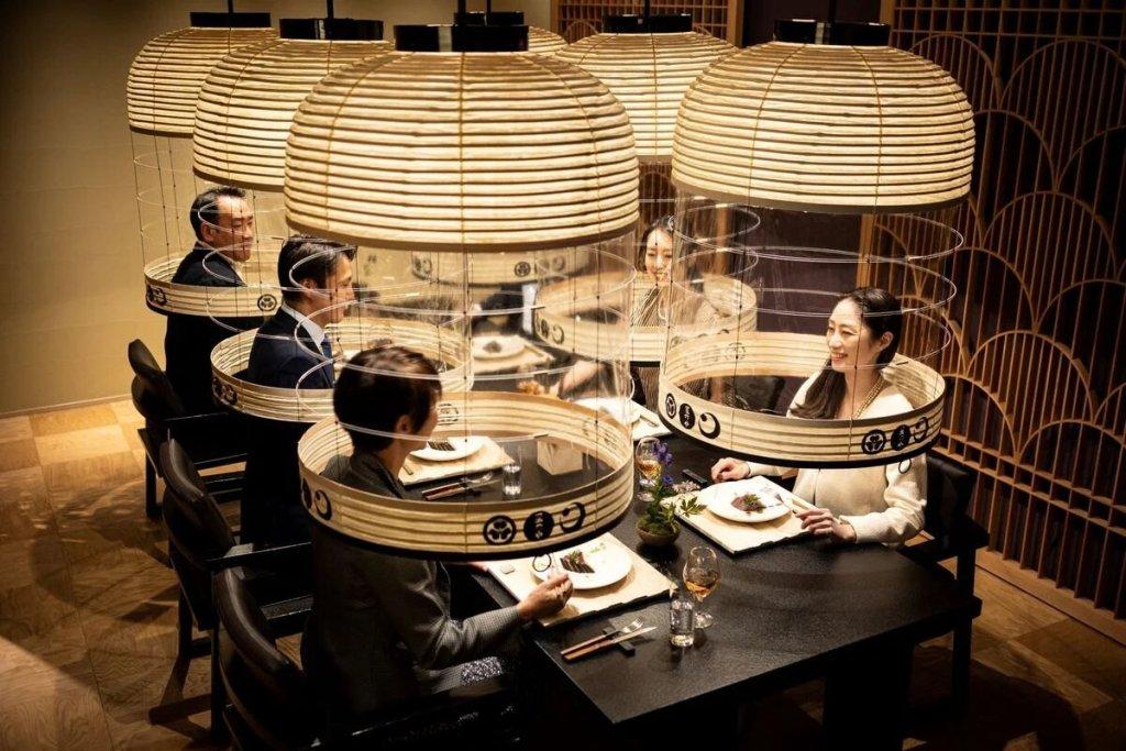 Hoshinoya Tokyo, el restaurante japonés que le pone un toque de diseño elegante al concepto de sana distancia