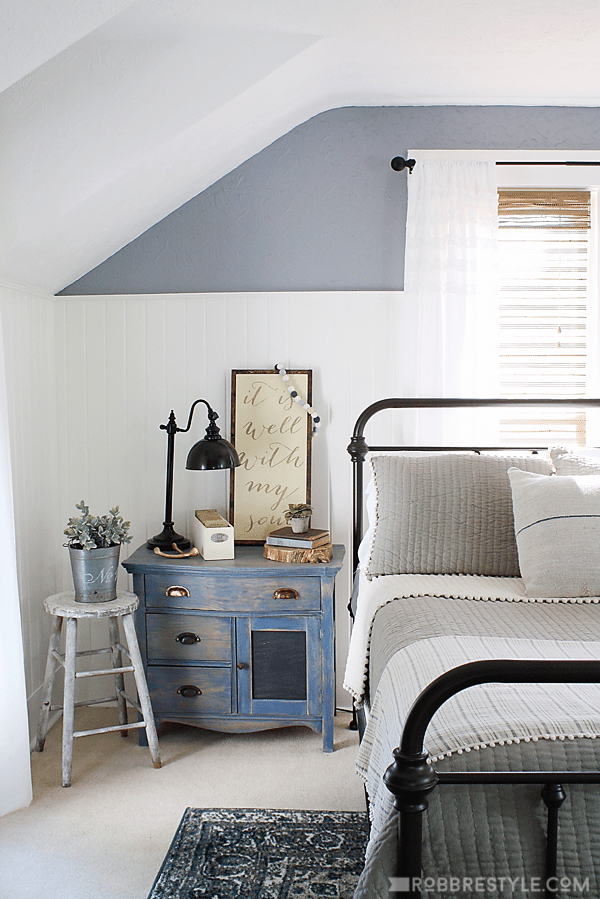 DIY Color Stain Project: Bedroom Sideboard in vintage denim blue by RobbRestyle.com