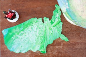 DIY Paint Pour USA Decor