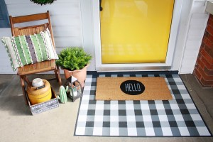 DIY Painted Buffalo Check Layered Doormat Project