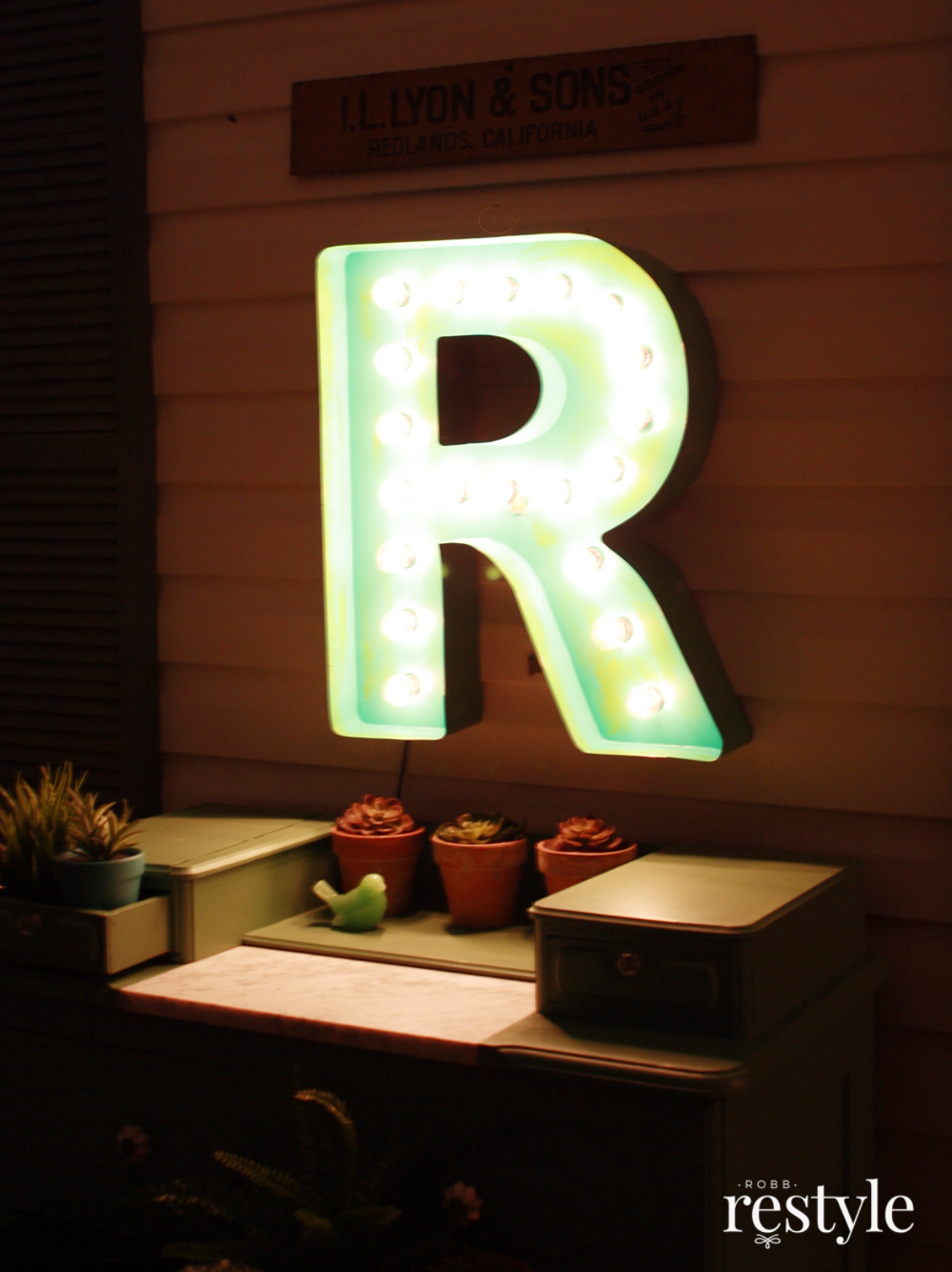 Night marquee letter