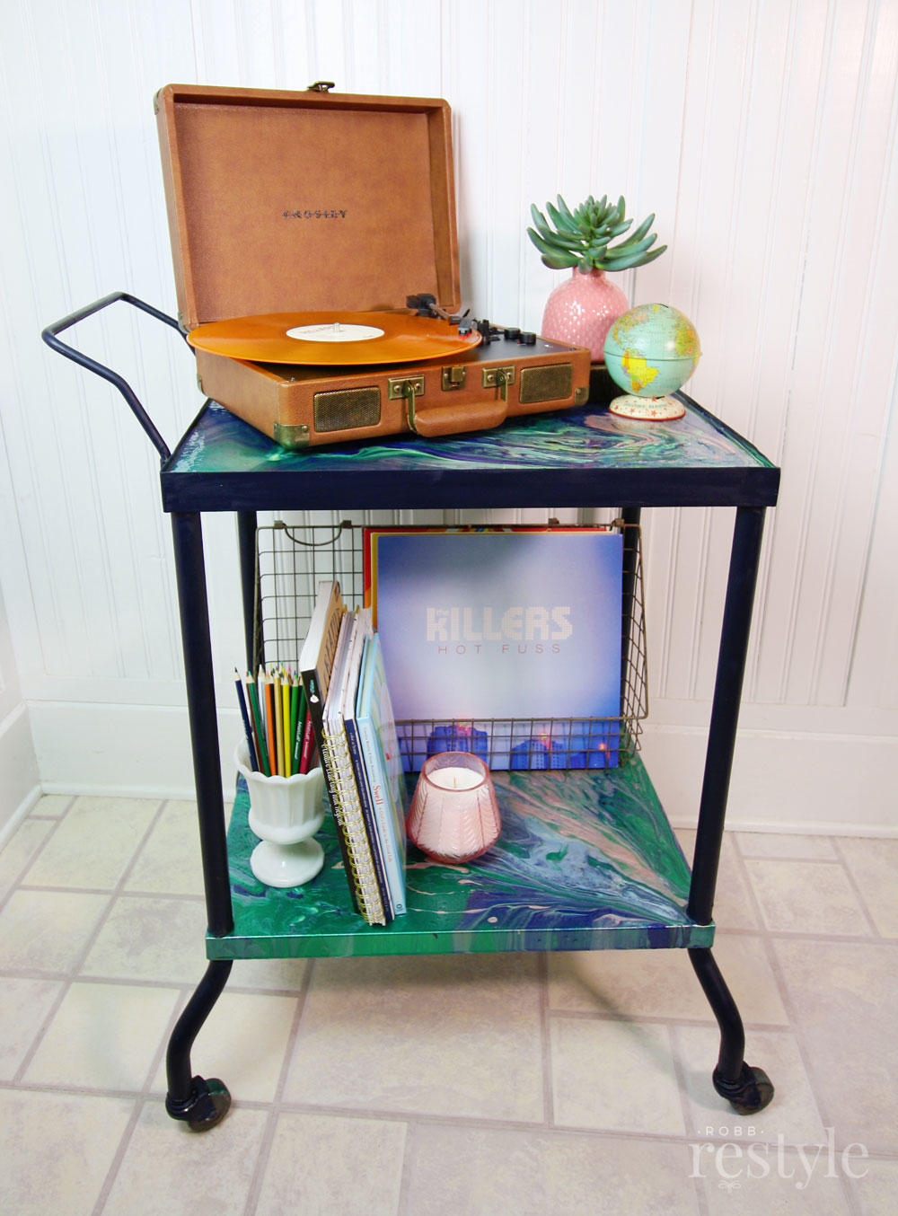 DIY Painted Vinyl Record Storage