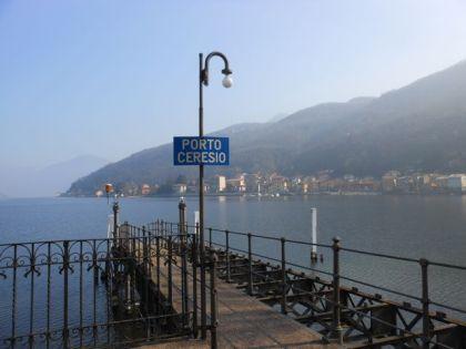 porto ceresio, lago di lugano, italia, ticino, svizzera, varese, lombardia, imbarcadero, https://robertakedzierski.wordpress.com/