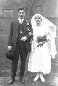 William Henry Hall and Olive Emma Ling, c. February 1921, Chesterfield, Derbyshire. Courtesy of the National Fairground Archives.