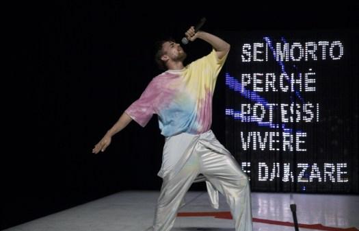 Best Regards, la coreografia di Marco D'Agostin (ph.© Roberta Segata)
