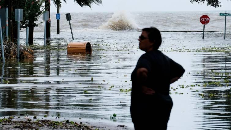 Barry se convierte en huracán antes de tocar la costa sur de EE.UU.