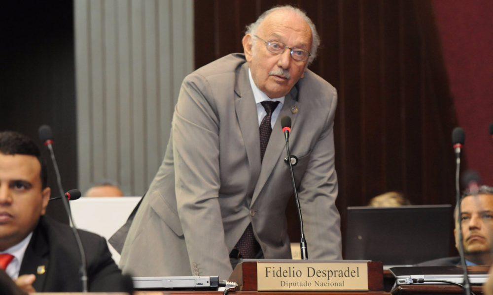 """Fidelio Despradel: """"Gobierno de Danilo cometió el robo del siglo en Punta Catalina"""""""