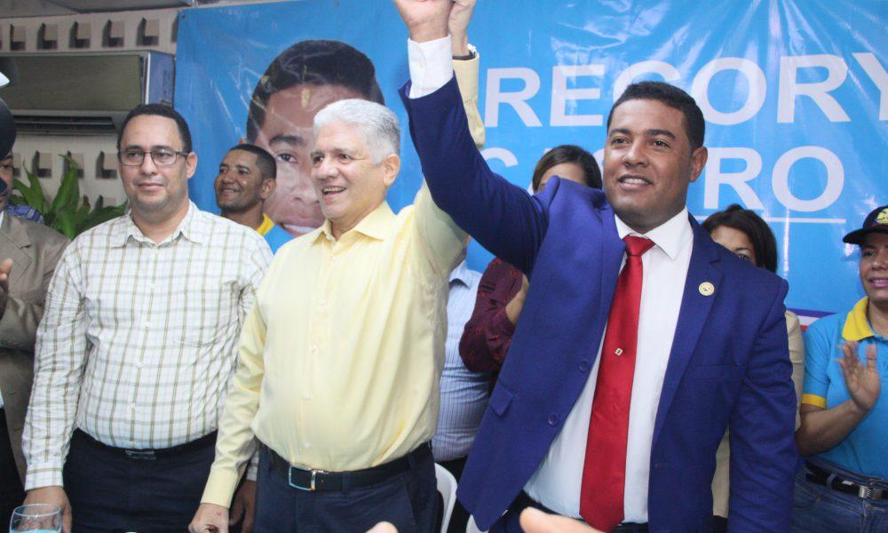 Eduardo Estrella afirma el gobierno se olvidó del país para solo pensar en modificar la Constitución