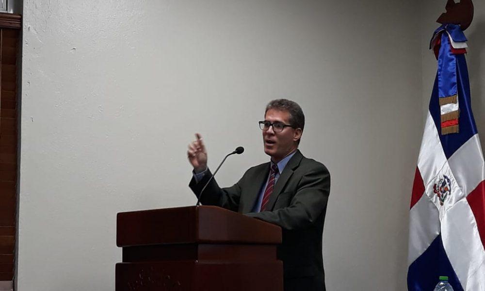 (Video): Historiador considera a Juan Bosch como un referente para los pueblos latinoamericanos