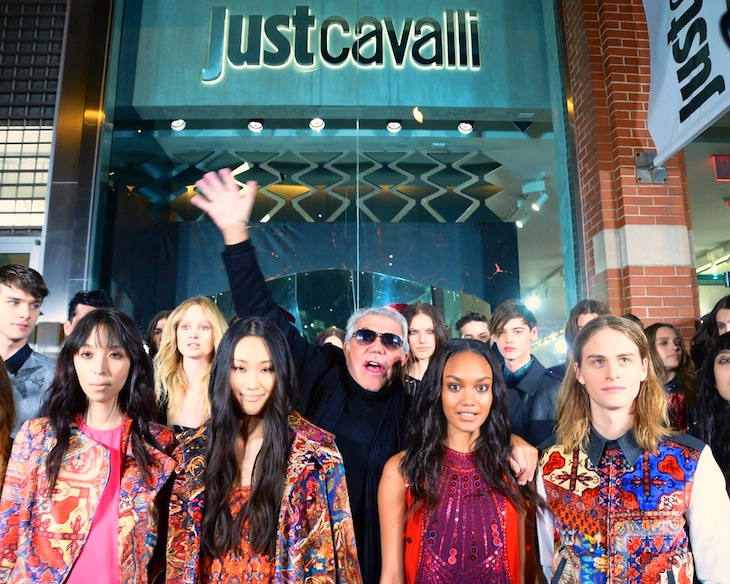 Roberto Cavalli with models in Just Cavalli@Just Cavalli Boutique Opening NYC, 12-12-2013.JPG