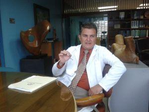 Dr-Douglas-Montero