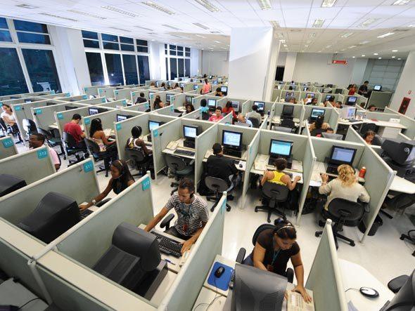 San Ramón Call Center Services Inc, adeuda a la Seguridad Social 41 millones. No les quiere pagar a los jóvenes que laboran para estudiar.