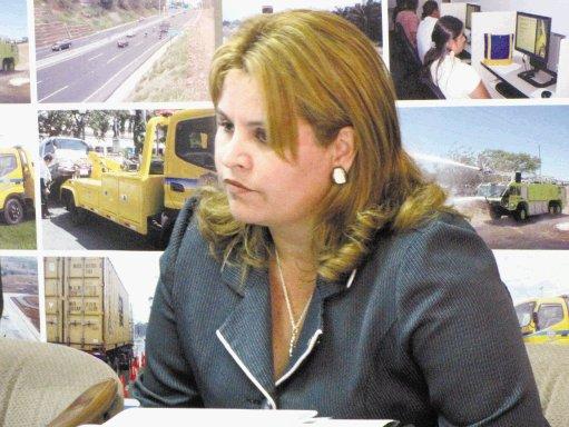 Silvia Bolaños del MOPT ayudó al sector autobusero en Adm pasada y, ahora la recompensan con un alto puesto en la Cámara de Transportes.