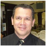 Relacionado con Deuda el Sr. Andrés Chavarría