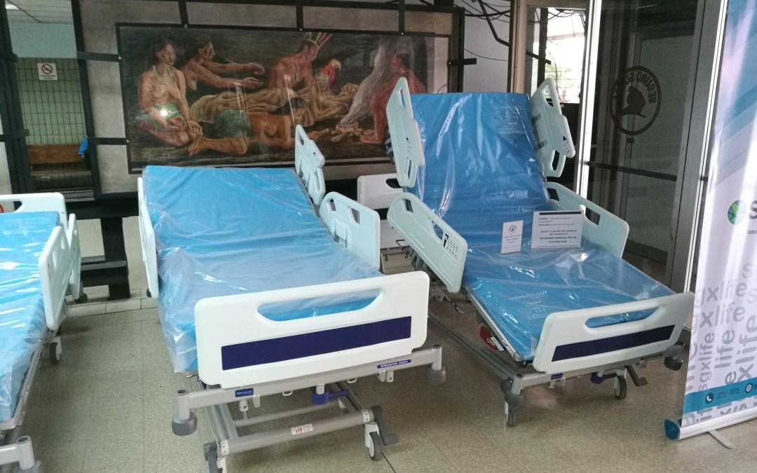 Felicitaciones y un fraternal abrazo de agradecimiento al personal de EMERGENCIAS del Hospital Calderón Guardia.