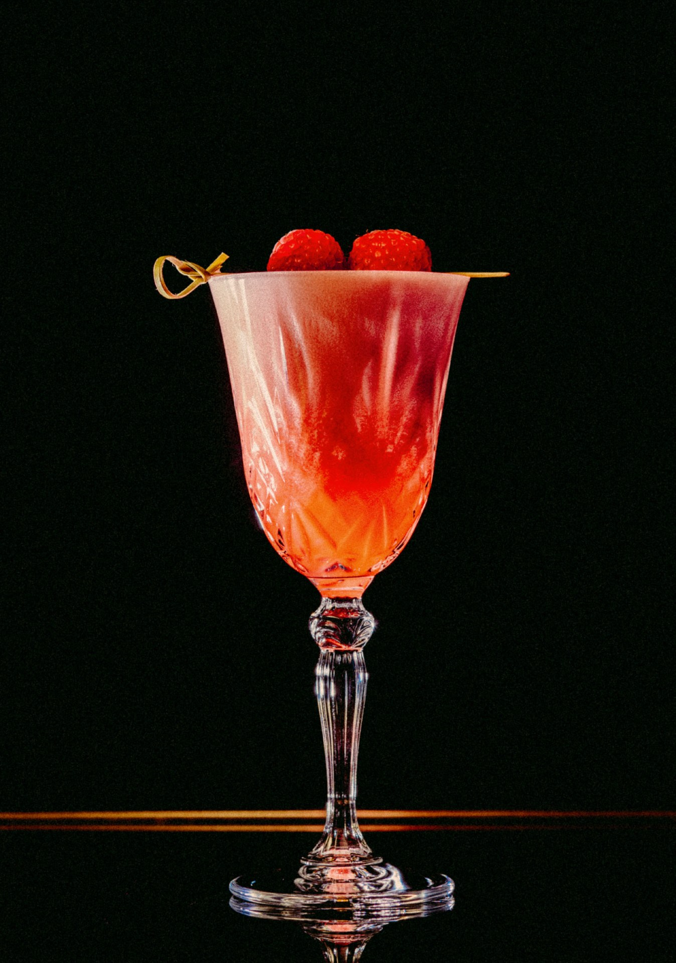 Recipe: 6cl Plymouth Gin 3cl Lemon Juice 1.5cl Sugar Syrup Raspberries Egg White
