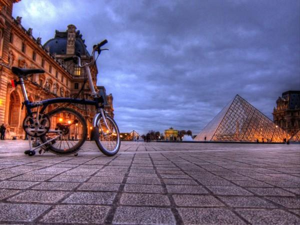 Louvre Bike Pyramid