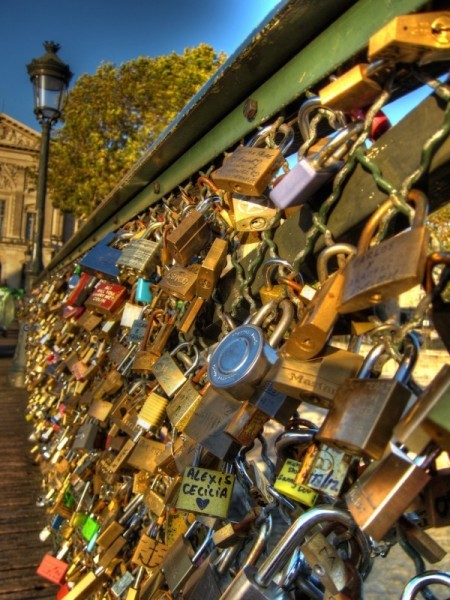 Pont-Des-Arts_Love-Locks