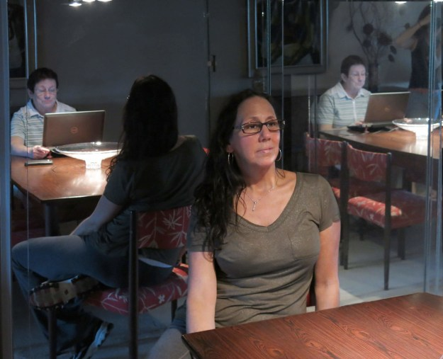 Love Your Sister, Robin Botie, photoshopper in Ithaca, New York, photographs her sisters' reflections.