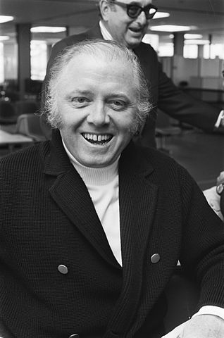 318px-Richard_Attenborough_1975