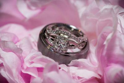 Twisted band princess halo engagement ring and wedding set