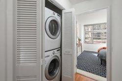 1800Washington317 Laundry