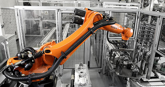 Kuka to integrate 800 industrial robots and a number of AGVs for Daimler