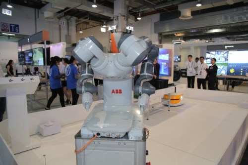ABB's two-armed collaborative robot at Huawei Connect