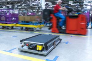 bmw-smart-logistics-robot