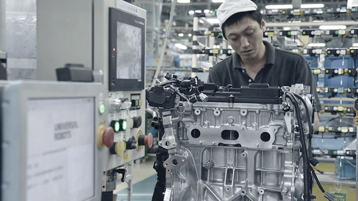 nissan-motor-company-and-universal-robots
