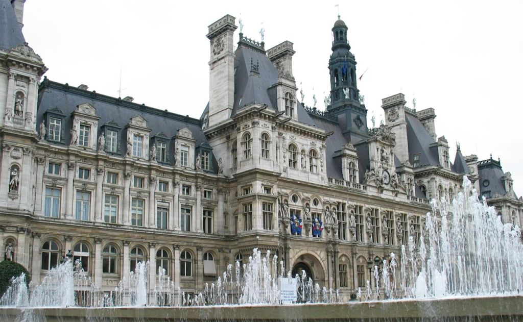 Paris city hall gives jobs to Pepper and Nao robots