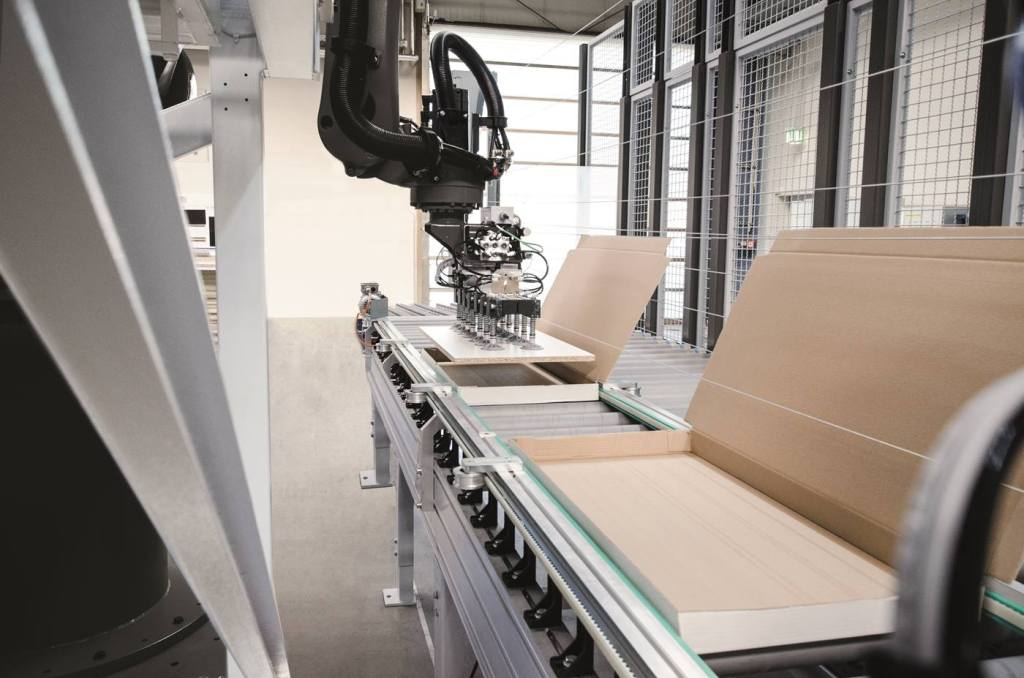 Kuka teams up with Homag to develop robotic solutions for wood processing industry