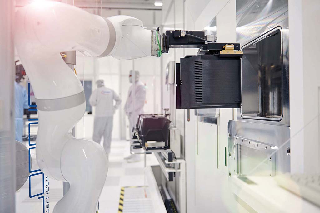 Infineon invests $2 billion in new semiconductor factory in Austria