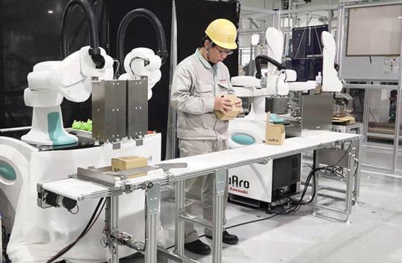 Kawasaki duAro: Behind the scenes of collaborative robot development